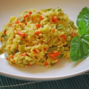 Рис с овощами и кари